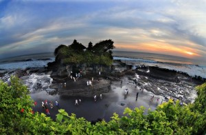 Tanah Lot - the temple you only can reach by foot during low tide.