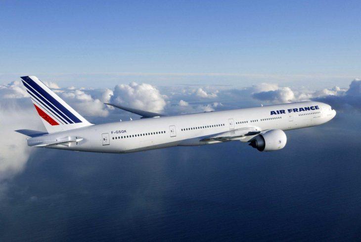 Air France Boeing 777-300ER in flight.