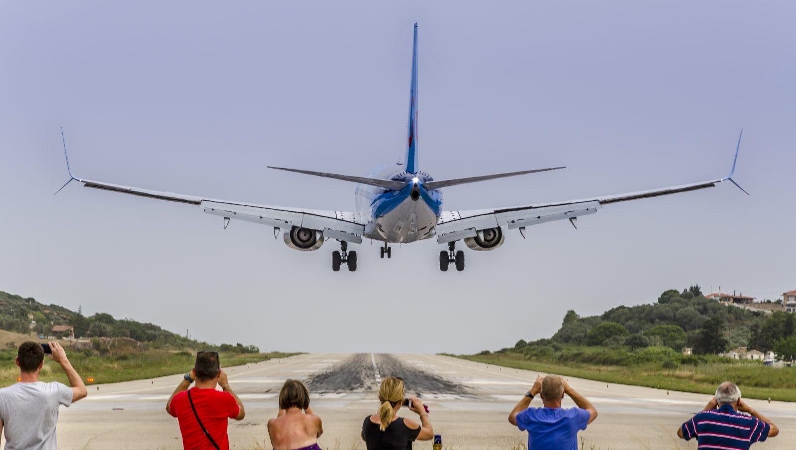 Planespotting in St. Maarten & Skiathos ...