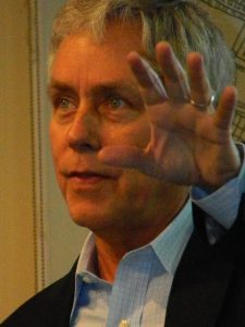 Carl Hiaasen at a book signing for Bad Monkey.