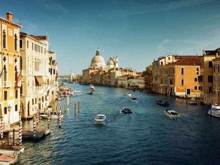 Grand Canal in Enice, Italy.