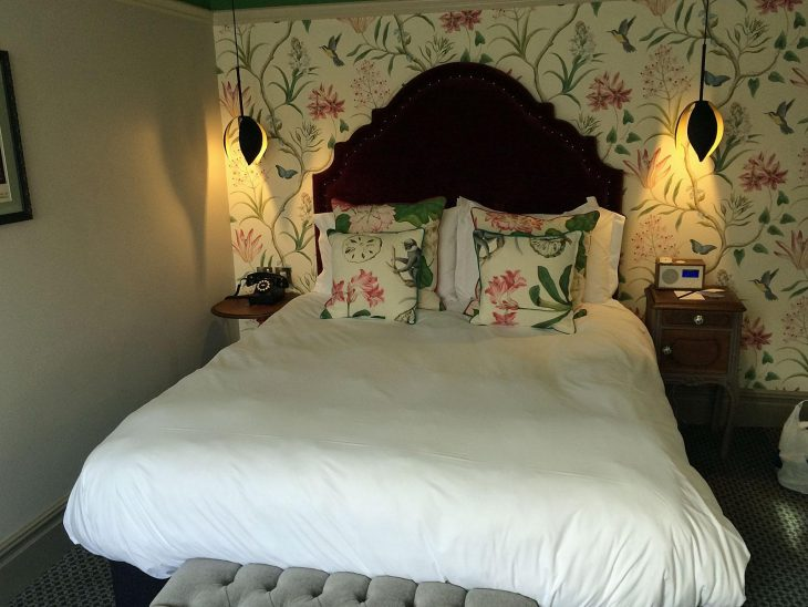 A room at The Orange Tree in Richamond, London. Nice and comfortable.