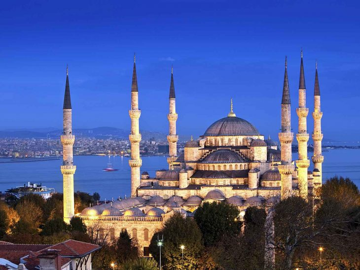 The beautiful Blue Mosque in Istanbul at night.