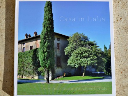 """The book """"20 Most Beautiful Villas in Italy""""."""