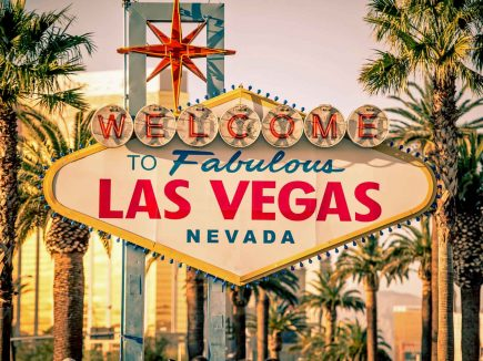 """The gamous """"Welcome to Las Vegas"""" sign."""