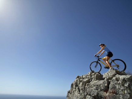 MTB on a cliff