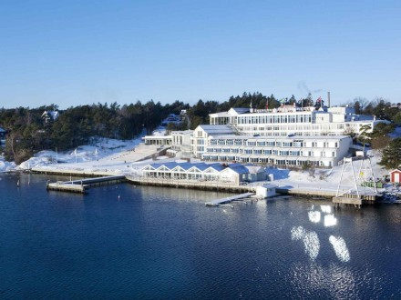 Stenugnsbaden Yacht Club is beautiful during all seasons.