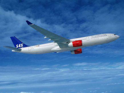 SAS aircraft taking off.