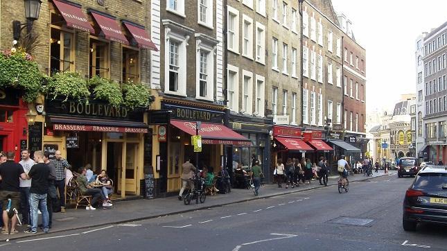 Restaurant Boulevard by Simon Harding