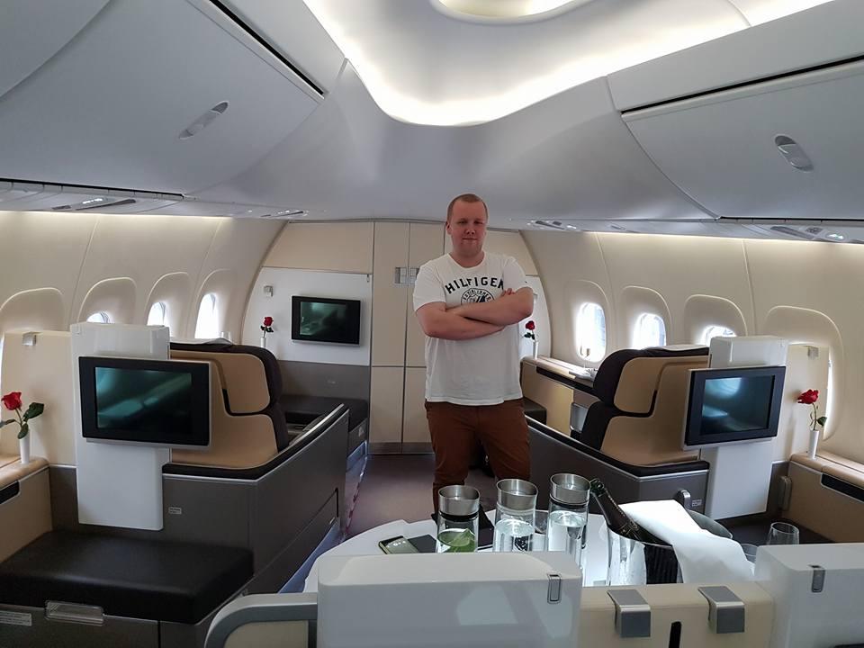 Simon in Lufthansa´s First Class.